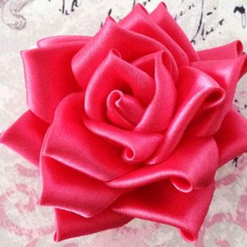 Selyem szalag rózsák kanzashi technikával