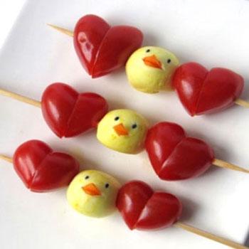 Mini mozzarella csibék koktél paradicsom szívekkel - nyárson