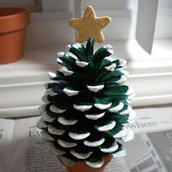 DIY Pine cone Christmas tree - easy nature craft for kids