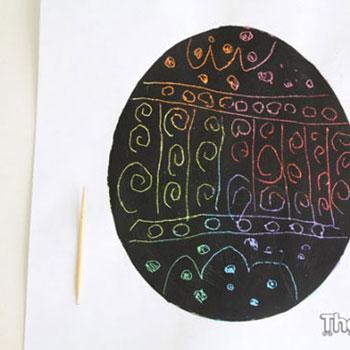 Karcolható színes tojásképek temperával és zsírkrétával