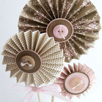 DIY paper accordion flowers - paper folding