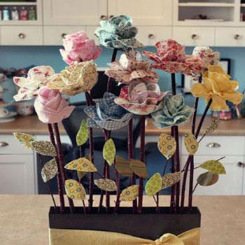 tavasz kreatív ötletek ötlettár dekorációk virág textil anyag festés alkotás barkácsolás diy szélforgó gyerekeknek kreatív ötletek tulipán varrás varrott anyák napja csokor virágcsokor kert ajándék színező mandala 2016 naptár festmény tavasztündér tündér köröm manikűr virágos