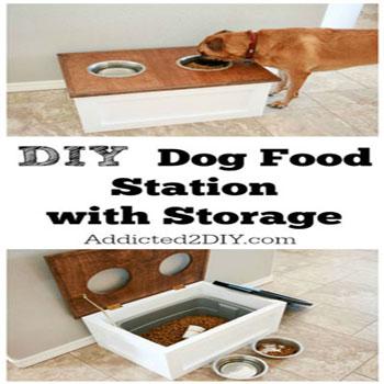 Felnyitható tetejű kutyaeledel tároló és etetőállomás
