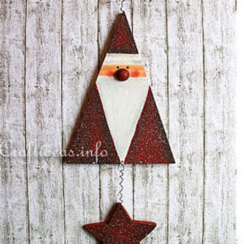 DIY Wood triangle Santa mobile - Christmas decoration