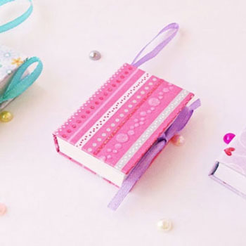 DIY mini notebooks - notebook keychains
