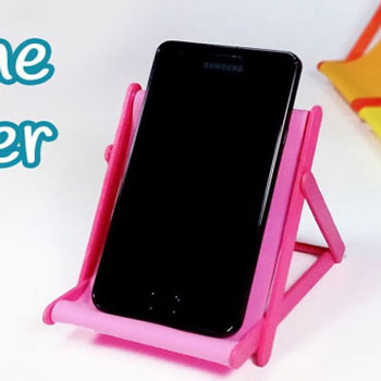 DIY Mobile phone holder (beach chair) from popsicle sticks