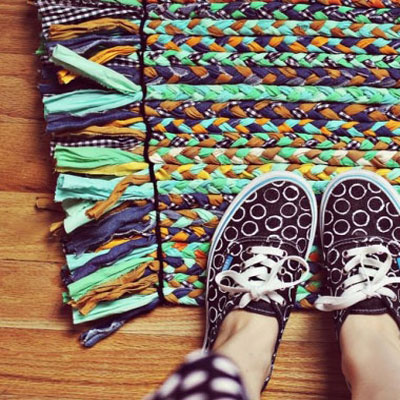 DIY braided rug from upcycled clothes
