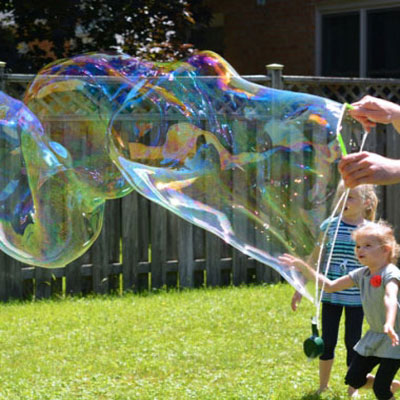 How to make giant soap bubbles