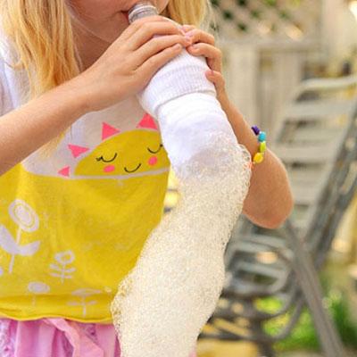 DIY bubble snake blower from plastic bottles and socks