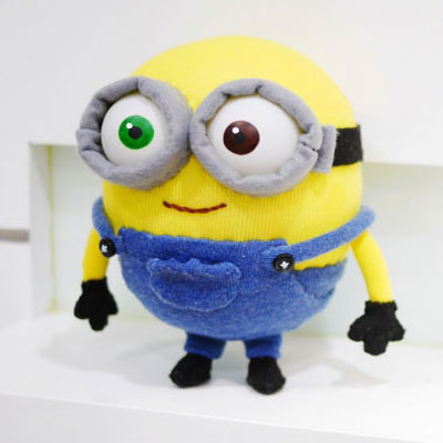 DIY Minion Bob sock plushie (with free pattern)