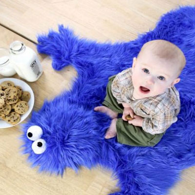 Cookie monster rug with chocholate chip cookie pillows