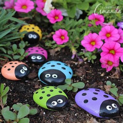 Ladybug rocks - painted rocks craft for kids