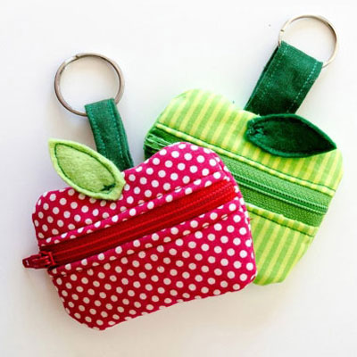 Lunch money zippered apple pouch with free sewing pattern