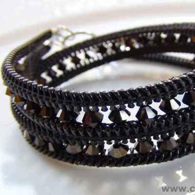 Beaded bracelets from old zippers