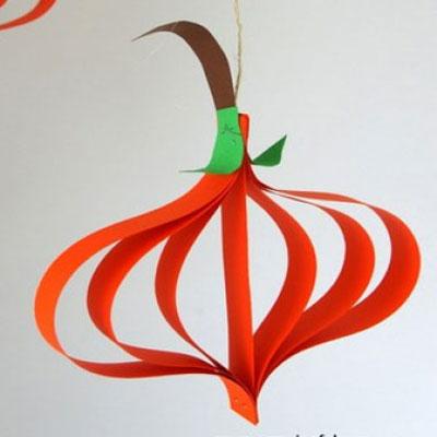 Paper stripe pumpkins - easy  fall carft for kids