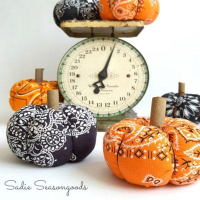 DIY Country style Halloween bandana pumkins