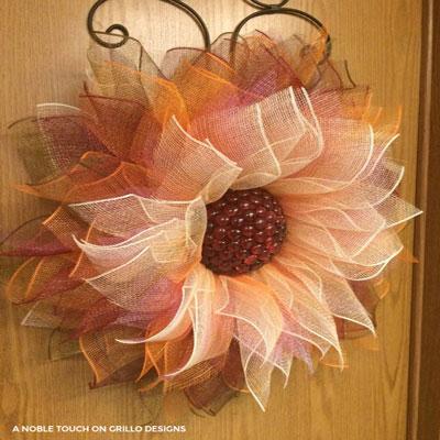DIY Deco mesh fall flower wreath - wreath making tutorial