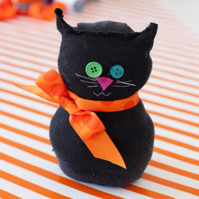 Easy black sock cat - Halloween decor