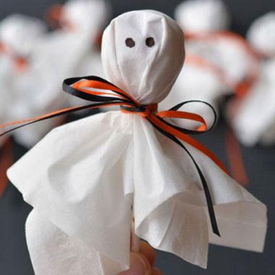 Quick Halloween lollypop ghosts with kleenex