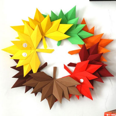 Origami autumn leaves - fall leaf wreath with paper folding
