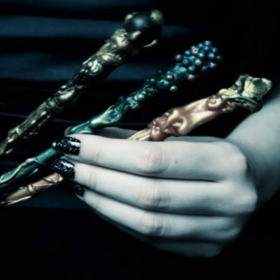DIY magic wands easilly with glue gun and beads