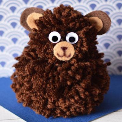 Adorable and simple pom pom bears - yarn craft