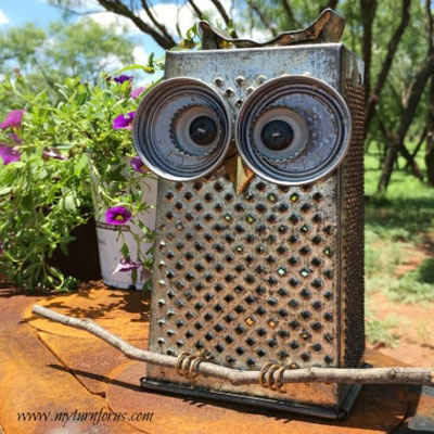 Adorable kitchen grater owls - upcycling fall craft