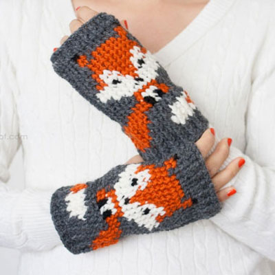 Fingerless fox gloves - free crochet pattern