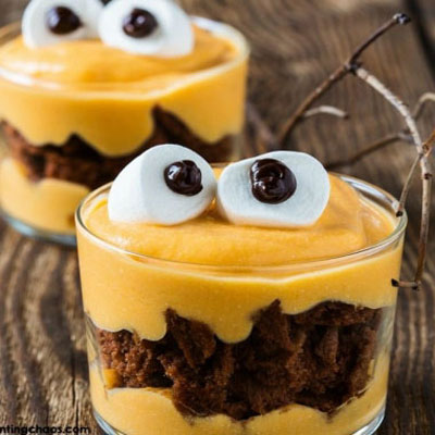 Monster puddings with brownies and marshmallows