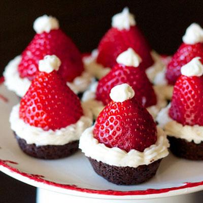 Santa hat brownie bites with strawberries