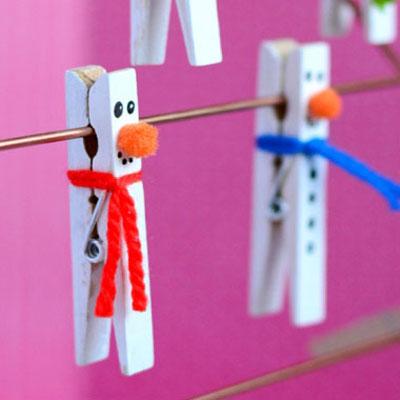 Clothespin snowmen - fun winter kids craft idea