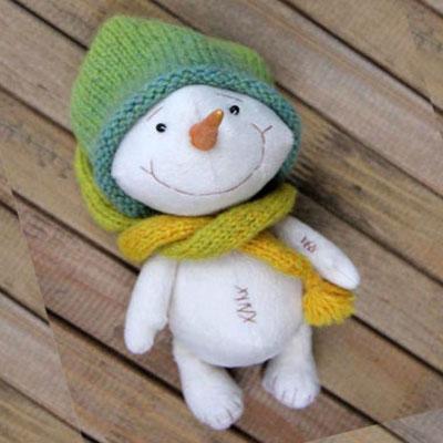 Adorable snowmen plushies ( free sewing pattern )