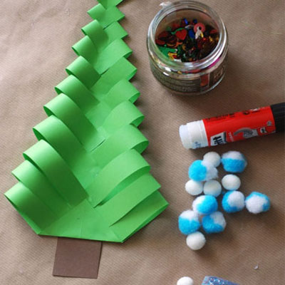 DIY wavy paper Christmas trees- easy kids craft