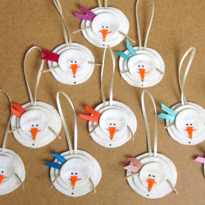 Felt snowman Christmas tree ornaments - craft idea for kids