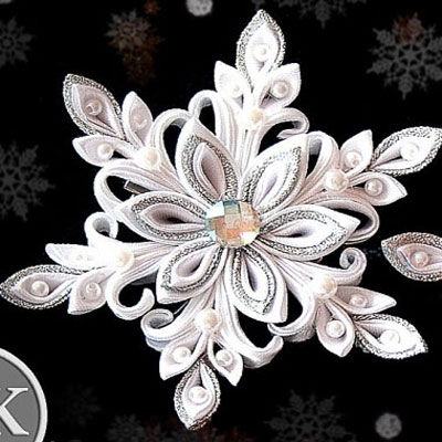 Gorgeous silk ribbon snowflakes with kanzashi technique