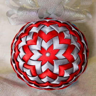 Styrofoam ball Christmas tree ornaments with silk ribbons ( kanzashi )
