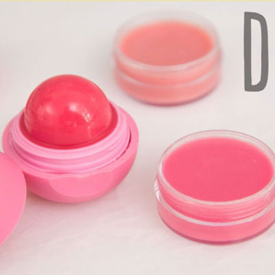 DIY 5 minute natural lip balm - homemade lip gloss