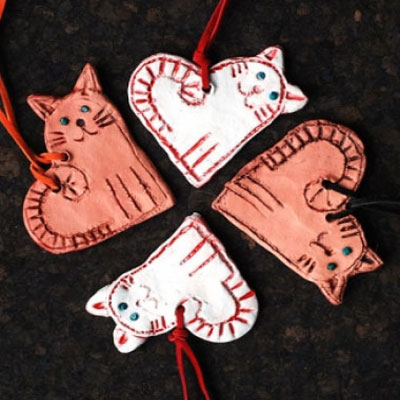 Adorable love cat necklace from clay