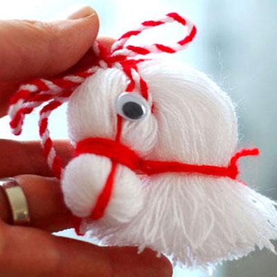 Cute horse head from thread