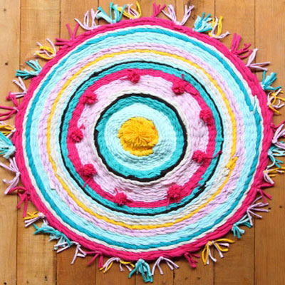 How to make a rag rug from old t-shirt with a hula hoop