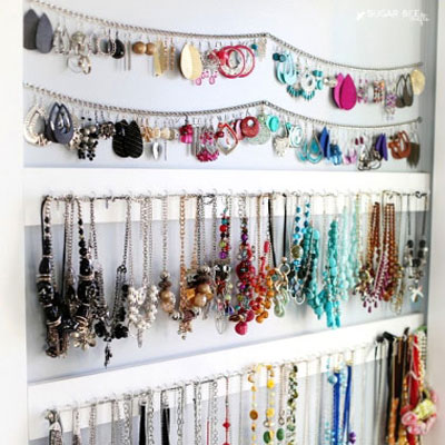 Simple DIY wall mounted wooden jewelry organizer