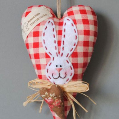 DIY Lovely heart bunny Easter decor (free sewing pattern)