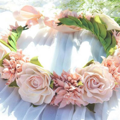Beautiful roses from craft foam - DIY wedding decor
