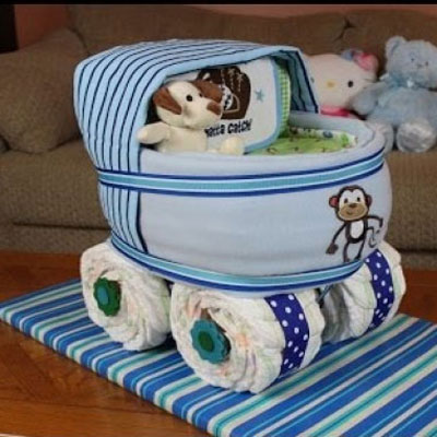 Boys baby carriage diaper cake - DIY baby shower gift