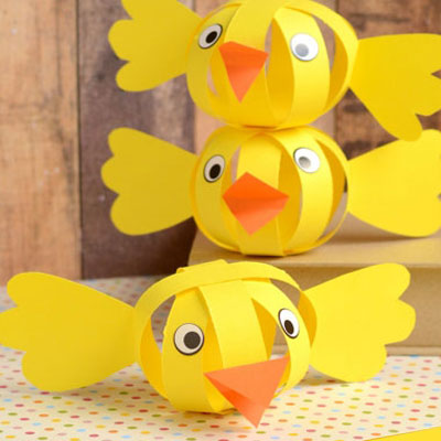 Simple paper strip sphere chicks - Easter kids' craft