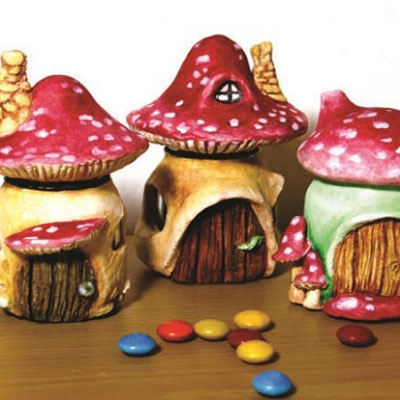 Mushroom fairy house from an old jar - creative upcycling