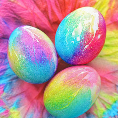 How to tye dye Easter eggs with food colorings - fun egg painting