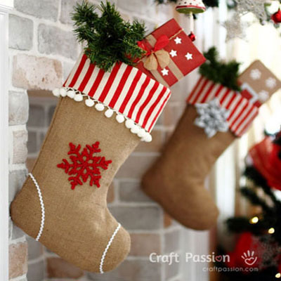 Burlap Christmas stockings - free sewing pattern