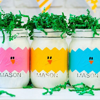 DIY mason jar chick and Easter egg vases
