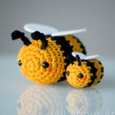 Adorable crochet (amigurumi) bee - free amigurumi pattern